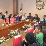 Los jóvenes arribaron acompañados de las diputadas de la comisión de asuntos educativos y de la juventud del Congreso del Estado, Guadalupe Olays Davis, Presidenta, y Sandra Luz Elizarrarás Cardozo, secretaria.