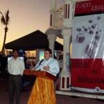 """El M. en C. Gustavo Rodolfo Cruz Chávez, Rector de la UABCS, inauguró la """"Expo Ideas 2011"""", el pasado 23 de noviembre, en la explanada del malecón de la ciudad de La Paz."""