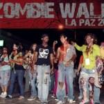 Los zombis tomaron el malecón hasta la calle 16 de Septiembre donde chocaron con un mitin de simpatizantes de un partido político y no perdieron la oportunidad de intentar canibalizar a los asistentes, todo en orden y con un poco de diversión provocaron risas y algún niño que si, de plano huyó espantado.