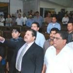 Después de comparecer ante los diputados y las diputadas, y conocer la decisión de la votación, el licenciado Cuauhtémoc José González Sánchez rindió protesta ante el presidente de la Mesa Directiva, diputado Juan Domingo Carballo Ruiz.