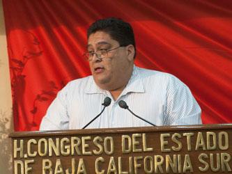 La falta de empleo se abate con buenas ideas no con despensas: Santos Rivas