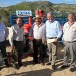 En el marco de la gira que realizó el Gobernador Marcos Covarrubias acompañado de sus principales secretarios y el alcalde Antonio Agúndez Montaño, entregó apoyos al sector agropecuario de la Candelaria donde Álvaro Gómez Reynoso Delegado de la SAGARPA en BCS, anunció apoyos por 55 millones de pesos en todo el Estado.