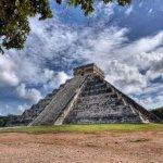 Para celebrar el inicio del último año del quinto sol y el anuncio de la nueva era, sacerdotes mayas harán ceremonias espirituales en lugares sagrados, mientras que el Instituto Guatemalteco de Turismo lanzará un programa de actividades que tiene como objetivo aprovechar el fenómeno para atraer mayores cantidades de turistas al país.