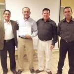 Recientemente, Julio César Buenrostro de Dios obtuvo su título de Licenciado en Comercio Exterior de la UABCS.