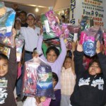 """""""México Nuevo, llegó con dulces y juguetes para niños de Las Palmas""""."""