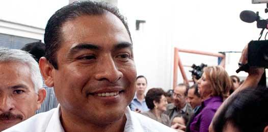 Exige Arturo de la Rosa al Congreso le aclare sobre la denuncia en su contra