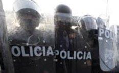 Arraigan a tres mandos y a 26 custodios del penal de Apodaca