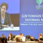 """""""Al convocar esta reunión, México no tiene nociones preconcebidas ni receta alguna que ofrecer. Pero sentimos el deber, como Presidente del Grupo de los 20, de invitar a sus miembros y a otros actores clave a reflexionar sobre los retos globales de la actualidad que afectan a la comunidad internacional en su conjunto"""", Patricia Espinosa Cantellano, al inaugurar la Reunión Informal de Ministros de Relaciones Exteriores del G20."""