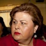 """""""Ya no vamos a solicitar un préstamo, ese lo vamos a buscar más adelante"""", aseguró la presidenta municipal, Esthela Ponce, """"pero por lo pronto vamos por la reestructuración de la deuda""""."""