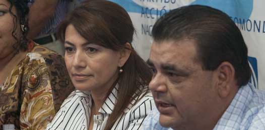Le quitan a Elías Gutiérrez su candidatura al Senado para dársela a una dama