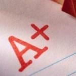 """La calificación de excelencia, el equivalente a 10, será ahora la letra """"A""""; el 9 y 8, que muestran un nivel satisfactorio en el aprendizaje, serán ahora """"B"""", mientras que 7 y 6, de un desempeño suficiente, será similar a """"C"""", en tanto que los reprobados obtendrán la letra """"D""""."""