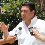 """Ricardo Barroso Agramont indicó que esta propuesta y compromiso es plausible y se avalará con esmero desde el Senado de la República, """"porque no es posible que exista una sobre-representación en la Cámara de Diputados, cuando esos recursos deberían de aplicarse en obras de beneficio social"""", enfatizó."""