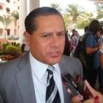 """Ibarra Montoya agregó que es necesario que los actores políticos dejen a un lado la """"guerra sucia"""" y se concentren en las propuestas de las acciones que habrán de emprender de llegar a los curules, tanto en la Cámara Alta como en la Cámara Baja."""