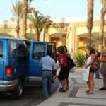 De acuerdo al artículo 6to del reglamento de la Ley del Transporte en Baja California Sur, todo transportista federal tiene 15 días para presentarse ante la Dirección Estatal del Transporte a solicitar los permisos para circular en vías federales, aseveró la mañana del 22 de mayo, Jorge Gabino Espinoza Vargas, titular del transporte en el estado.