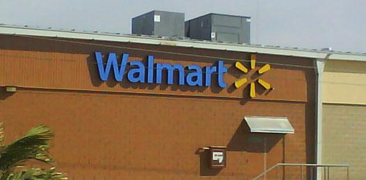 Atrapan a estadounidense robando licor en Walmart