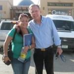 La corresponsal de Peninsular Digital, con el periodista Joaquín López Doriga.