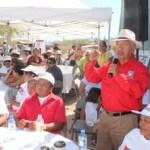 Isaías González, reconoció que el Gobierno del Estado pretende negar el desarrollo de nuevos asentamientos humanos en las colonias populares, por no simpatizar con el proyecto político del Partido Acción Nacional, tratando de involucrar a las familias en programas sociales que en tiempos electorales son una farsa.