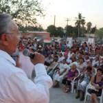El candidato a senador acompañado por la diputada local Maricela Ayala, mencionó que Baja California Sur necesita de más dinero para la obra pública y asistencia social, para hacer frente a la miseria en la que viven muchas de las comunidades rurales de la entidad.