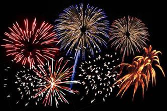 Con un espectacular cielo multicolores, la Asociación de Colonos de El Médano, festejó con los turistas estadounidenses su tradicional fiesta por el Día de la Independencia.