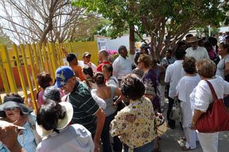 Se quedaron miles de ciudadanos sin poder votar en la casilla especial