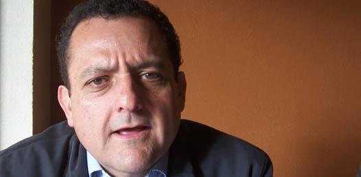 """""""No debe ser la sociedad organizada la que tenga que impedir estos proyectos que a todas luces cuenta con la oposición de la comunidad"""", dijo Carlos Mendoza Davis"""