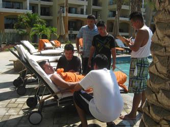 Lleva a cabo el hotel El Médano curso de rescate en albercas