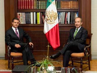 Recibe Calderón a Peña Nieto en Los Pinos