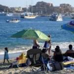"""En cuanto a trabajos de monitoreo, con el fin de determinar la calidad del agua, García Isais precisó que se efectúan """"en puntos específicos de las distintas playas de la entidad, donde las lecturas de contaminación son mínimas, por lo que se identifican como playas limpias y seguras para su uso""""."""