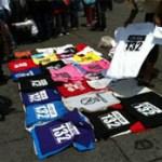 Durante las manifestaciones más recientes, como las denominadas megamarchas o marchas nacionales llevadas a cabo los pasados 7 y 22 de julio, los comerciantes informales se avocaron la creación (estampado, bordado, pintado, grabado) de diversos artículos con el logotipo de #YoSoy132 para su posterior venta.