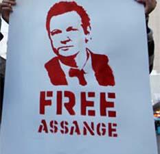 Dice que su obligación es extraditar a Suecia al fundador de WikiLeaks; confía en lograr una solución diplomática con Ecuador.