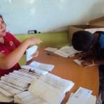 """""""En esta ocasión se están pagando dos bimestres enero-febrero, marzo-abril y se debería mayo – junio"""", Guillermina Botello, directora municipal de Educación."""