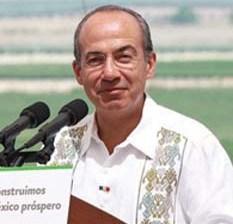 Ya busca Calderón trabajo en EU