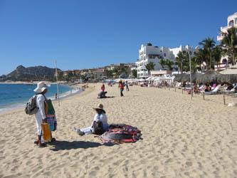 "Detectan a cerca de 120 vendedores ""golondrinos"" en las playas josefinas"