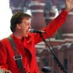 El macca se suma a la campaña contra la detención de las integrantes de la banda por actuar en una iglesia ortodoxa moscovita y lanzar consignas contra Putin.