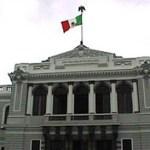 La asociación cuenta con 81 miembros y no persigue lucro, sosteniéndose de aportaciones voluntarias. Algunos de los egresados más ilustres son Gustavo Cruz Chávez, rector de la Universidad Autónoma de Baja California Sur (UABCS), y Guillermo Mercado Romero, ex gobernador del Estado.
