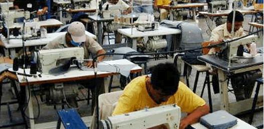 """""""Abusiva e inconstitucional"""", la reforma laboral calderonista"""