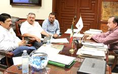 Se reúne  Alcalde con integrantes de OOMSAPASLC