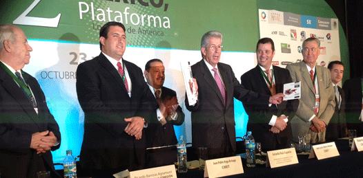 Asiste senador Barroso a clausura de foro internacional