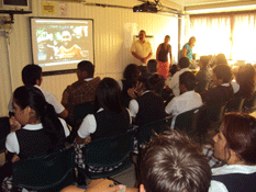 Da Derechos Humanos pláticas a jóvenes de Conalep