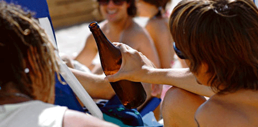 Genera polémica la propuesta panista de restringir la venta de alcohol