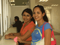 Becará Conacyt a madres solteras que estudian en la UABCS