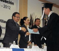 Celebró la UABCS graduación de 57 nuevos profesionistas