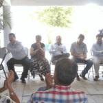 Reunion con colonos de la Arcoiris