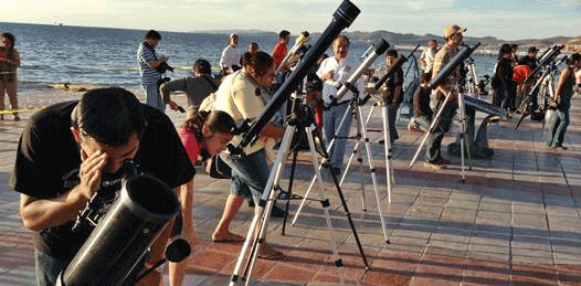 Se rompió el record Guiness con casi 3 mil telescopios