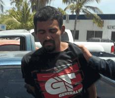 Huyó de la policía en auto robado