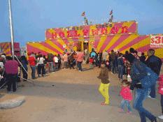 Festejan a los niños con función de circo
