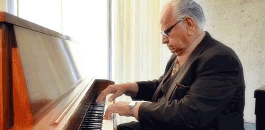 Premian y premia Norberto Flores con su música