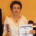 La señora Estela Beltrán de Ponce