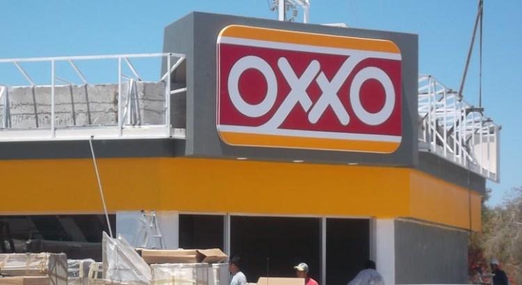 """Asaltaron Oxxo y """"sopletearon"""" el cajero automático"""