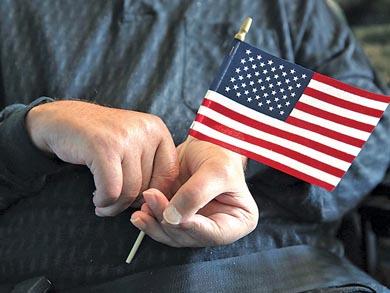 Renuncian a ser estadunidenses